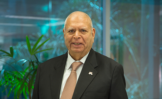 </p> <p><center><strong>شیخ مختار احمد</strong>